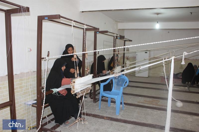 اجرای طرح پشتیبان حوله بافی و چادر شب بافی در شهر آیسک خراسان جنوبی