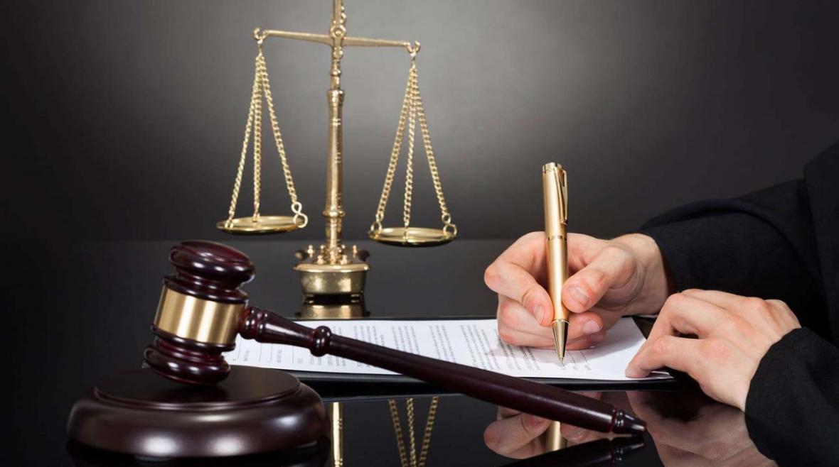 چگونه وکیل را از وکالت عزل کنیم؟