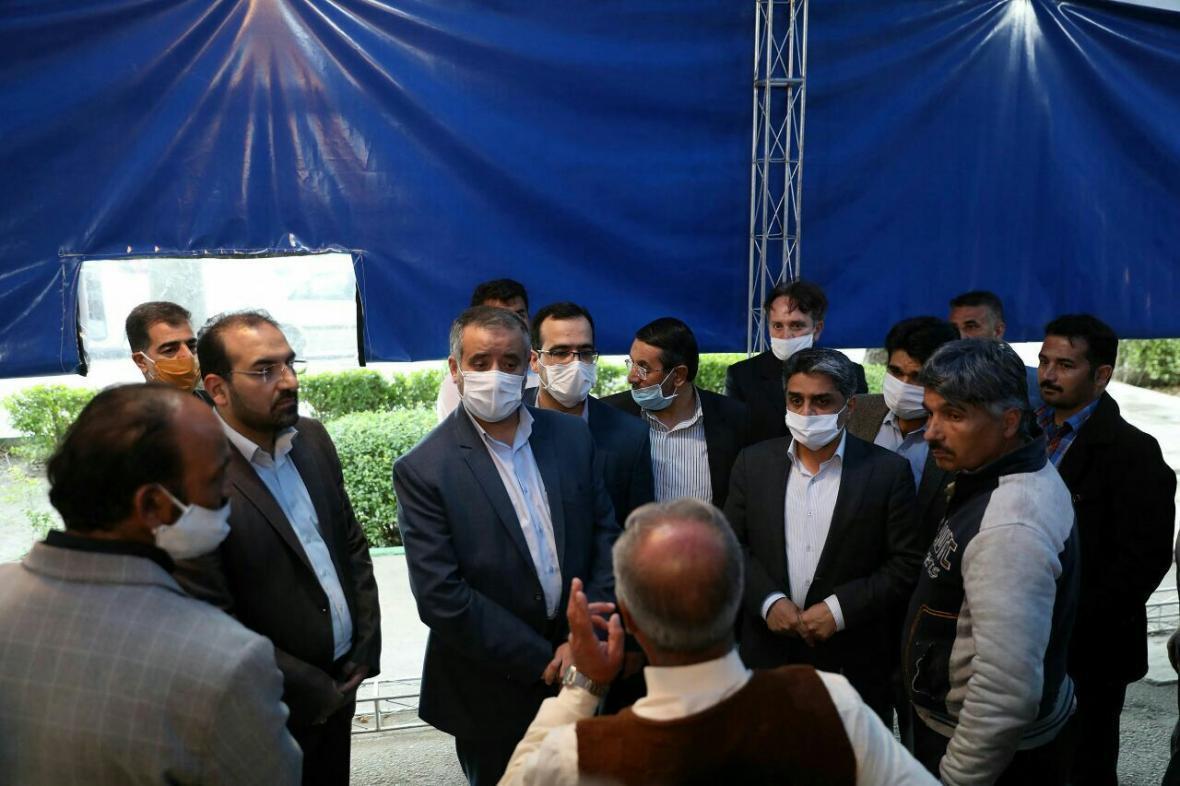 خبرنگاران صندلی های ساماندهی کارگران در مشهد افزایش می یابد