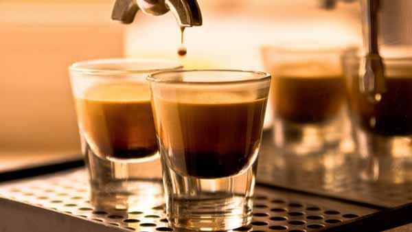 لذت نوشیدن قهوه ایتالیایی در ایتالیا