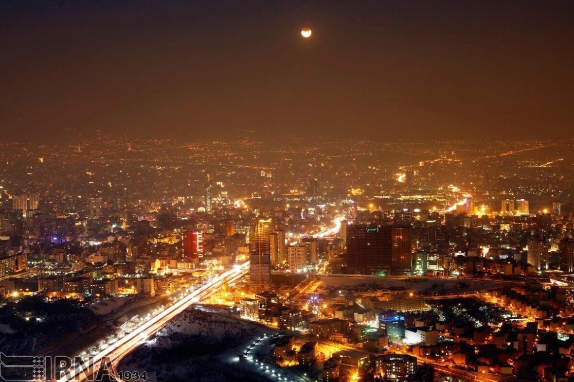 خبرنگاران راهکارهایی ساده برای کاهش مصرف برق