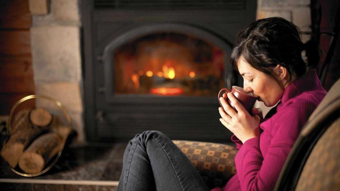 گرم کردن اتاق بدون بخاری و شوفاژ با 10 راه حل موثر و ساده