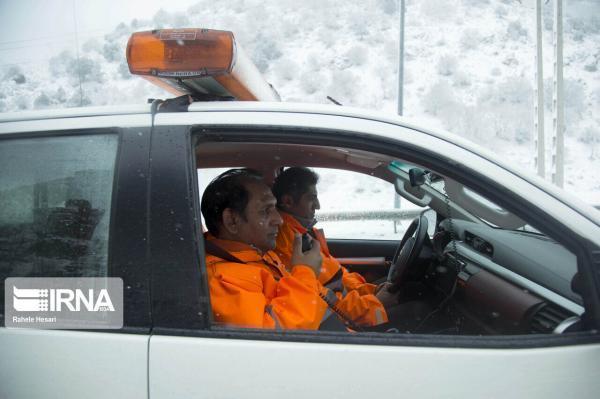 خبرنگاران برف و کولاک محورهای شمالی دامغان به استان مازندران را مسدود کرد