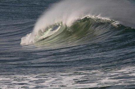 هشدار هواشناسی نسبت به افزایش ارتفاع امواج تا 2 متر